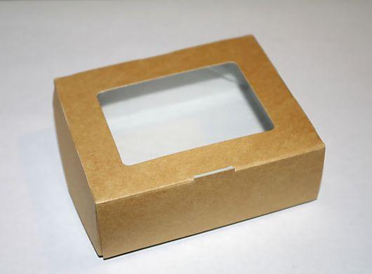 Коробочка из крафт-картона с окошком
