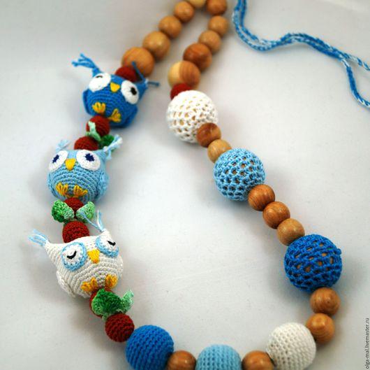 Слингобусы Три совы собраны из можжевеловых бусин. Слингобусы ручной работы.