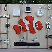 Бизиборды ручной работы. Ярмарка Мастеров - ручная работа Бизиборд Рыбка. Handmade.