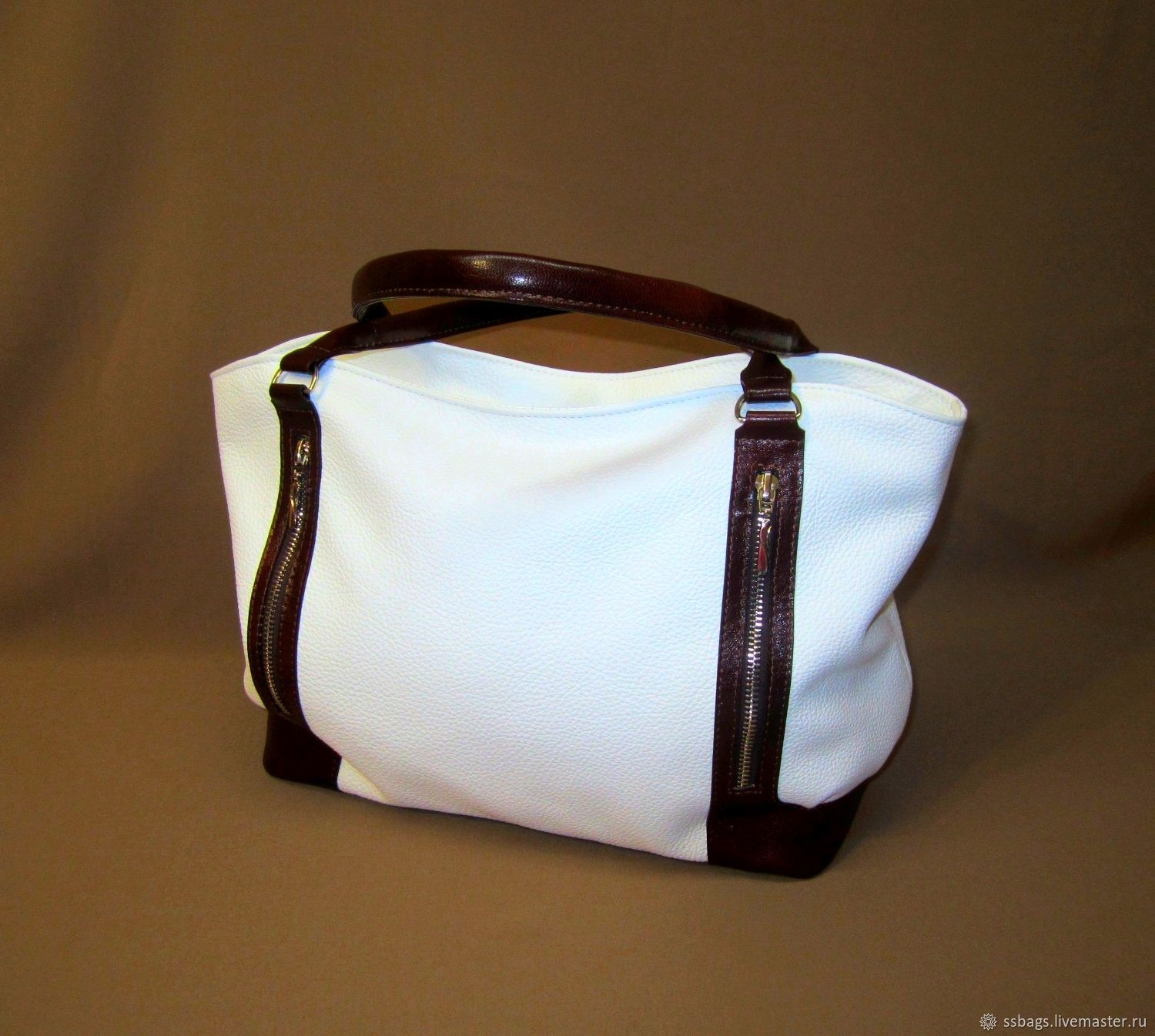Soft bag with natural leather upholstery. White, brown, Classic Bag, St. Petersburg,  Фото №1