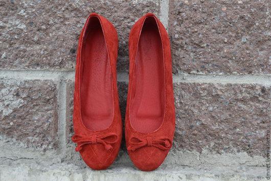 Обувь ручной работы. Ярмарка Мастеров - ручная работа. Купить Туфли-лодочка красные с бантиком. Handmade. Ярко-красный, яркий