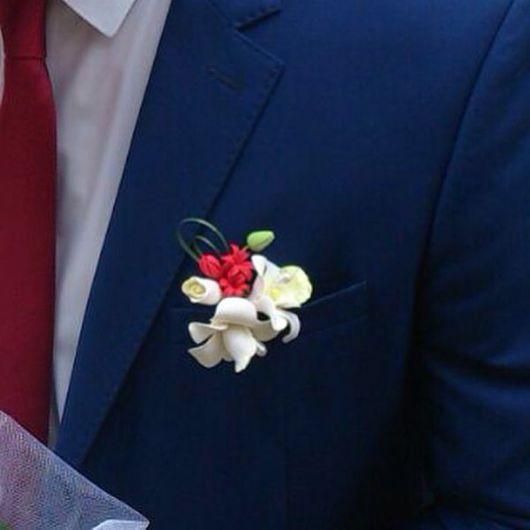 """Одежда и аксессуары ручной работы. Ярмарка Мастеров - ручная работа. Купить Бутоньерка """"Тропическая орхидея"""". Handmade. Ярко-красный"""