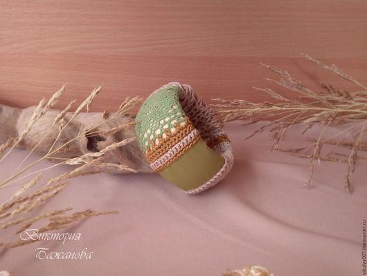 """Браслеты ручной работы. Ярмарка Мастеров - ручная работа. Купить Браслет бохо """"Я вся такая разная"""" текстильный вязанный браслет. Handmade."""