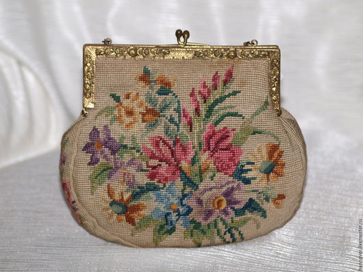 Винтажные сумки и кошельки. Ярмарка Мастеров - ручная работа. Купить Театральная сумочка с вышивкой Petit Point на цепочке очень почтенного. Handmade.