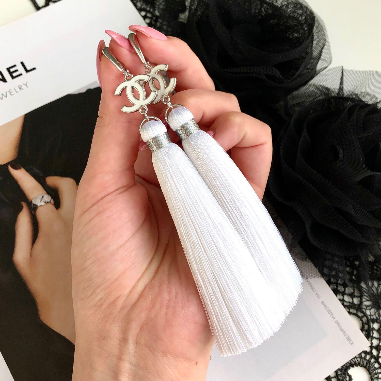Chanel in white white light snow silk rhodium enamel brush earrings, Tassel earrings, St. Petersburg,  Фото №1