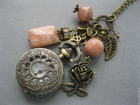 Часы ручной работы. Ярмарка Мастеров - ручная работа. Купить Часы кулон солнечный камень и роза.. Handmade. Часы