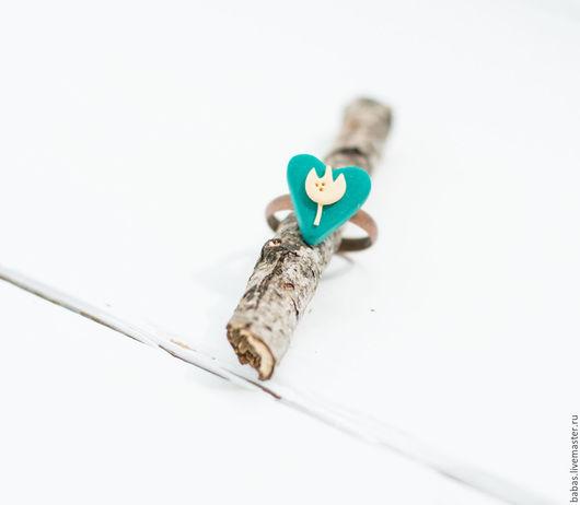 Кольцо ручной работы. Авторское кольцо. Ярмарка мастеров кольца. Кольцо сердце. Цветочное кольцо. Тюльпаны. Весеннее украшение. Женственное кольцо. Природное кольцо. Миниатюрное кольцо. Весна. Любовь.