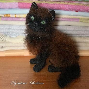 Куклы и игрушки ручной работы. Ярмарка Мастеров - ручная работа Игрушки: Котенок. Маленький черный котенок.. Handmade.