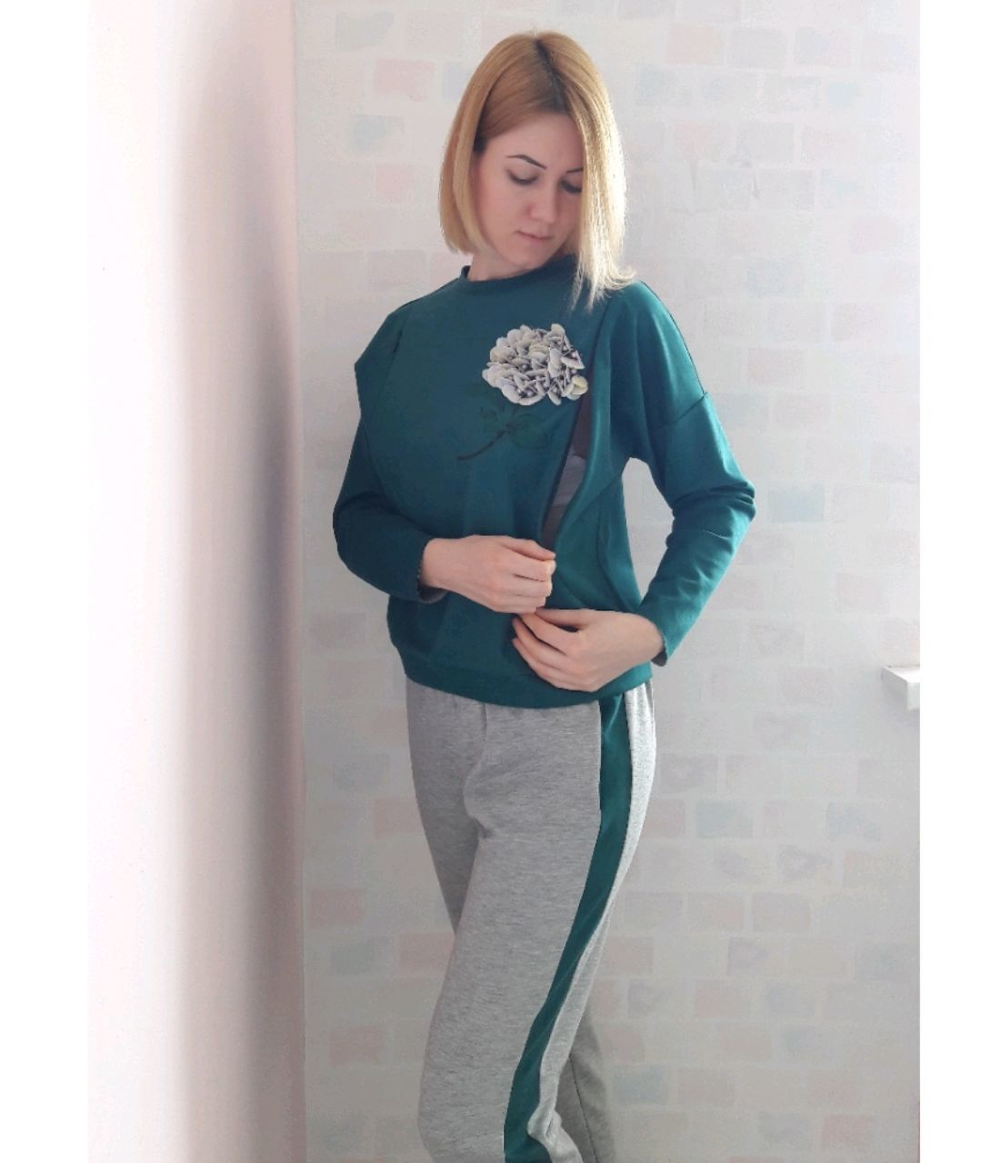 Suit for nursing mothers suede: trousers and sweatshirt with zippers for GW, Suits, Moscow,  Фото №1