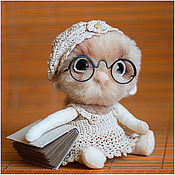Куклы и игрушки ручной работы. Ярмарка Мастеров - ручная работа Бубукля. Будущая библиотекарь. Handmade.