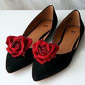 Украшения ручной работы. Ярмарка Мастеров - ручная работа Клипсы для обуви - красные розы - сердечки из кожи. Handmade.