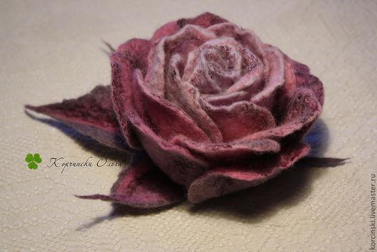 """Броши ручной работы. Ярмарка Мастеров - ручная работа. Купить Брошь """"Заснеженная роза"""". Handmade. Сиреневый, валяная брошь"""