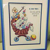 Подарки к праздникам ручной работы. Ярмарка Мастеров - ручная работа Вышивка метрика для новорожденного. Handmade.