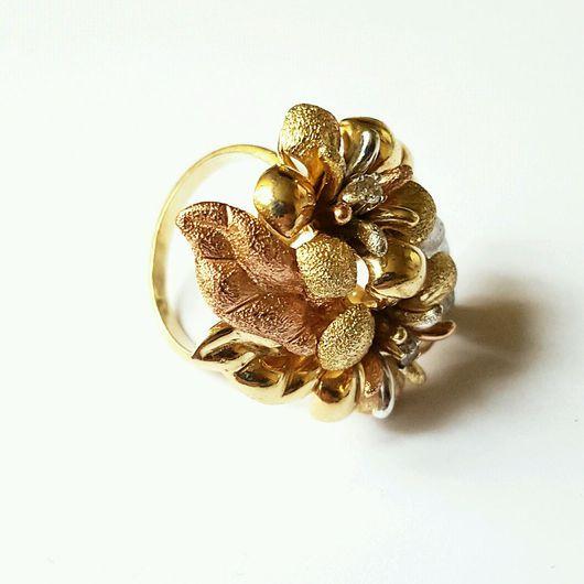 Кольца ручной работы. Ярмарка Мастеров - ручная работа. Купить Золотое кольцо с бриллиантами матовое трёхцветное. Handmade. Кольцо
