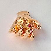 Подарки к праздникам ручной работы. Ярмарка Мастеров - ручная работа Сердце на ладони (позолоченный сувенир). Handmade.