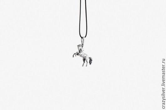 Кулон лошадь.  CRAZY SILVER ™  Кулон ручной работы из серебра 925.