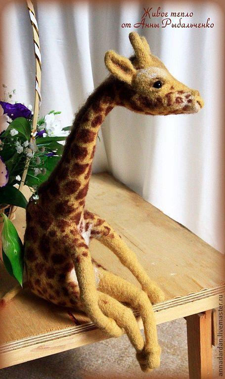 Игрушки животные, ручной работы. Ярмарка Мастеров - ручная работа. Купить Жираф Сильвер. Handmade. Жираф, войлок, белый, реснички