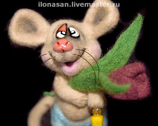 Игрушки животные, ручной работы. Ярмарка Мастеров - ручная работа. Купить Прррздравляю...ик!  (праздничная мышь). Handmade. Мышка, тюльпан