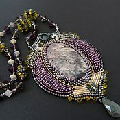 Украшения ручной работы. Ярмарка Мастеров - ручная работа `Violet` кулон вышитый бисером. Handmade.