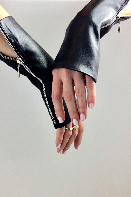 Women Fingerless Gloves by LoraLeather
