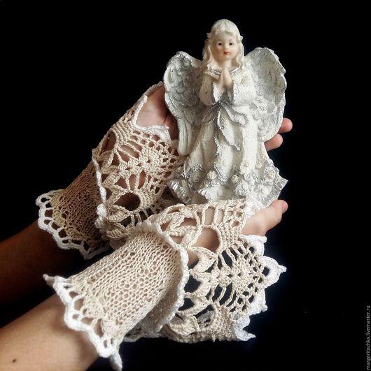 """Варежки, митенки, перчатки ручной работы. Ярмарка Мастеров - ручная работа. Купить Манжеты """" Крыло ангела"""". Handmade. Бежевый"""