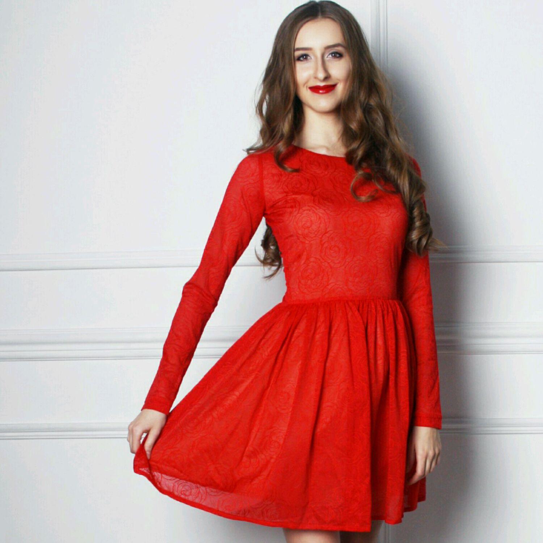 Платье кружево красное