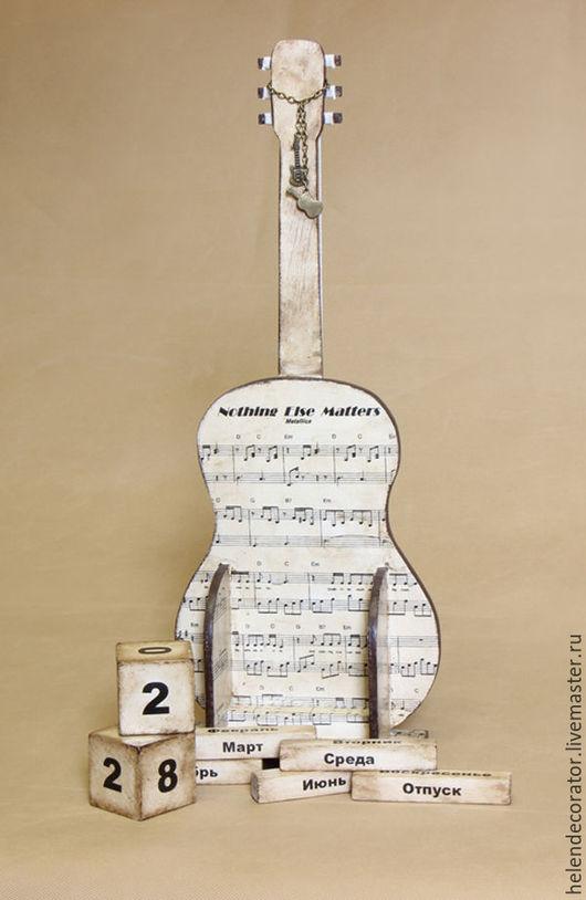 Вечный календарь `Гитара` на заказ, от 15 дней