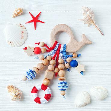 Одежда ручной работы. Ярмарка Мастеров - ручная работа Грызунок-кит с подвесками - первая игрушка в морском стиле. Handmade.