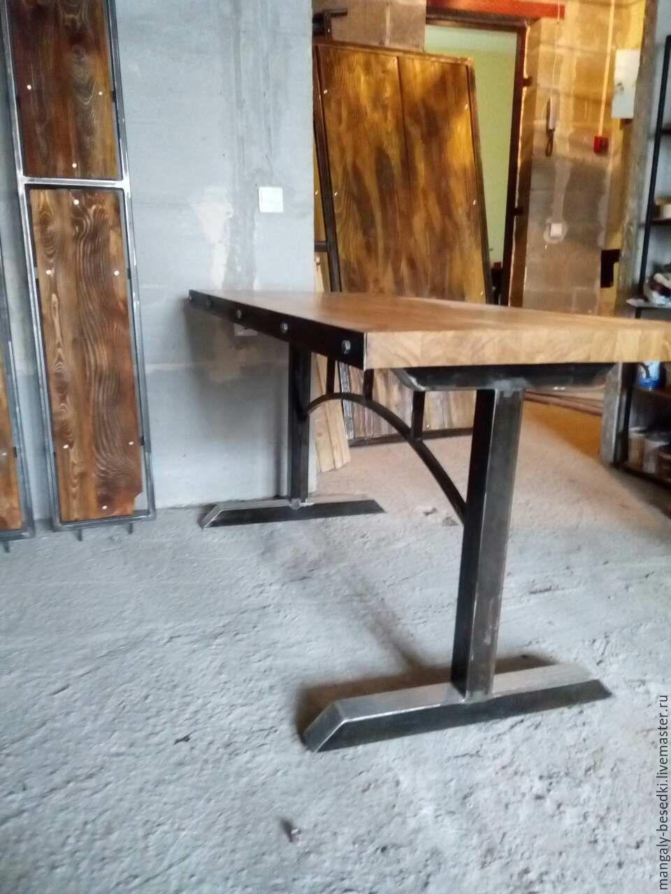 Стол в индустриальном стиле. Массив дуба толщиной 50 мм, оригинальное и очень удобное подстолье 60х60, готовая работа единственный экземпляр. Стол лофт. Стол в стиле лофт.