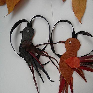 Аксессуары ручной работы. Ярмарка Мастеров - ручная работа Брелок птица из кожи. Handmade.