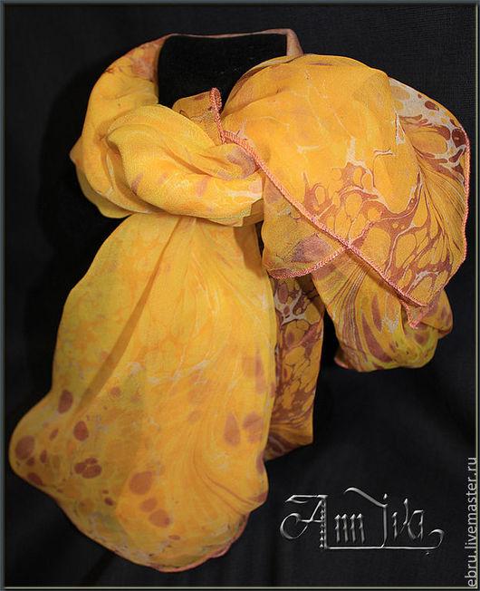 """Шали, палантины ручной работы. Ярмарка Мастеров - ручная работа. Купить """"Цвет солнца""""- шелковый платок, в технике Эбру (рисунки на воде). Handmade."""