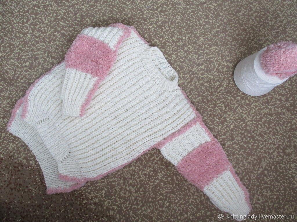 Вязаный свитер свободного кроя с отделкой пыльно розового цвета