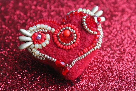"""Броши ручной работы. Ярмарка Мастеров - ручная работа. Купить Брошь """"Крылатое сердце"""". Handmade. Ярко-красный, сердце, сердечко"""