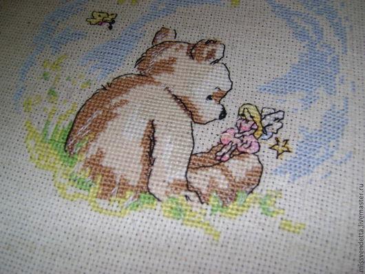 """Животные ручной работы. Ярмарка Мастеров - ручная работа. Купить Вышитая картина """"Мишка на полянке"""". Handmade. Салатовый, медведь, весна"""