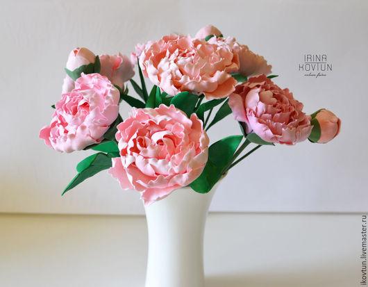 """Интерьерные композиции ручной работы. Ярмарка Мастеров - ручная работа. Купить пионы в вазе """"Нежность прикосновения"""". Handmade. Розовый, пионы"""