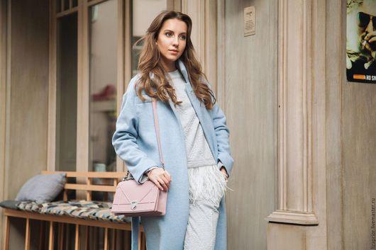 Голубое пальто-халат Lisa Prior
