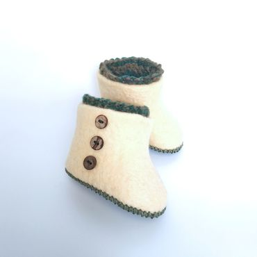 """Обувь ручной работы. Ярмарка Мастеров - ручная работа Валяные пинетки""""Пуговки"""". Handmade."""