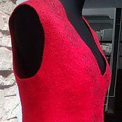 """Одежда ручной работы. Ярмарка Мастеров - ручная работа Валяный жилет """"Красный цветок"""". Handmade."""
