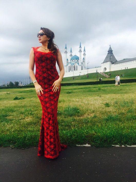 Платья ручной работы. Ярмарка Мастеров - ручная работа. Купить СКИДКА 30% Роскошное вечернее платье из красного кружева. Handmade.