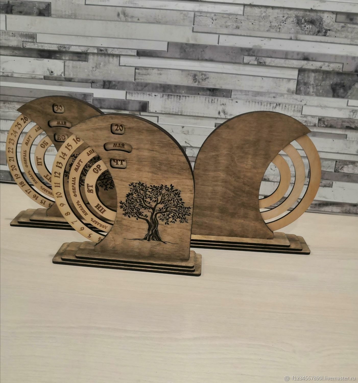 Вечный календарь из дерева настольный, Статуэтки, Мытищи,  Фото №1