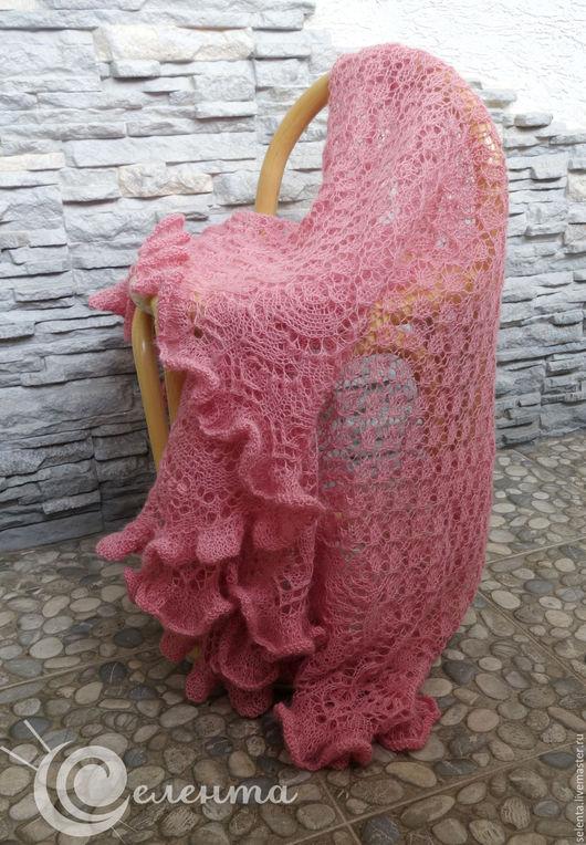 Шаль `Розовая пудра`  вязаная ажурная, альпака, розовый