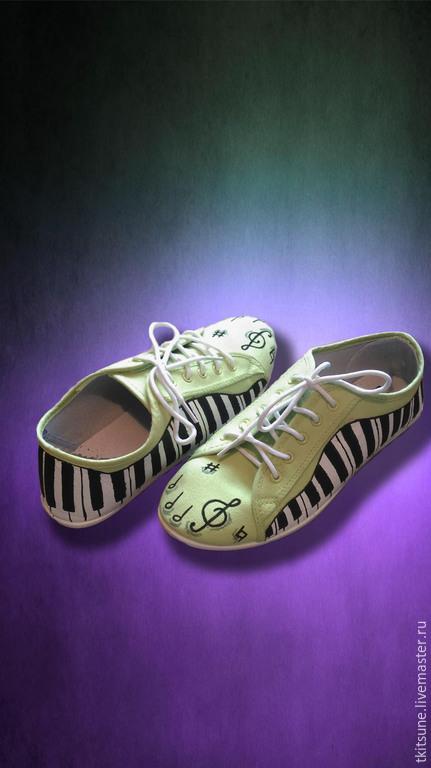 """Обувь ручной работы. Ярмарка Мастеров - ручная работа. Купить Кеды низкие текстильные """"Музыкальные"""". Handmade. Разноцветный, роспись, кеды"""