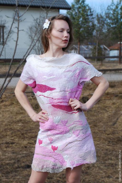 """Платья ручной работы. Ярмарка Мастеров - ручная работа. Купить Войлочное платье """"Крокусы"""". Handmade. Розовый, туника, Розовое платье"""