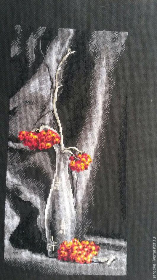 Картины цветов ручной работы. Ярмарка Мастеров - ручная работа. Купить Вышивка Ветка рябины. Handmade. Черный, Рябина