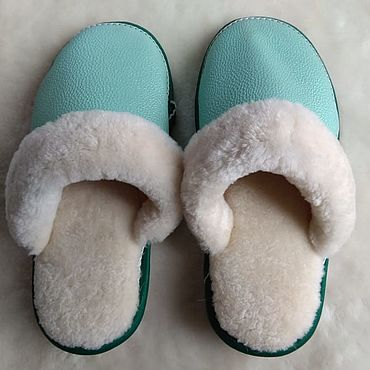 Обувь ручной работы. Ярмарка Мастеров - ручная работа Кожаные тапочки из мутона мятный цвет. Handmade.