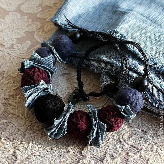 Колье, бусы ручной работы. Ярмарка Мастеров - ручная работа. Купить Бусы СВОБОДНЫЙ ВЕЧЕР, джинс, ткань. Handmade. Черный