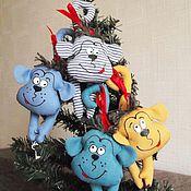 Куклы и игрушки ручной работы. Ярмарка Мастеров - ручная работа Обезьяны на елку с ключиком и магнитом. Handmade.