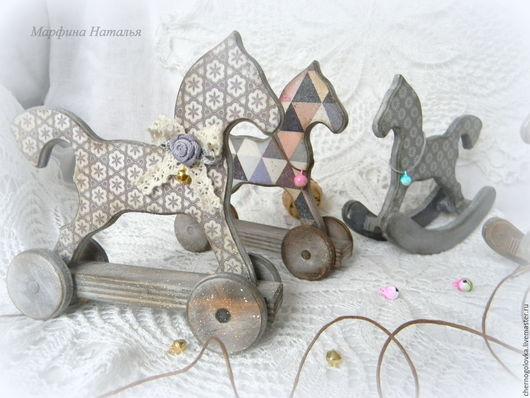 """Игрушки животные, ручной работы. Ярмарка Мастеров - ручная работа. Купить Лошадка на колесиках """"Пони"""". Handmade. Комбинированный, лошадка декупаж"""