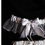 Свадебный салон ручной работы. Ярмарка Мастеров - ручная работа Комплект подвязок White Wish со стразами Swarovski. Handmade.