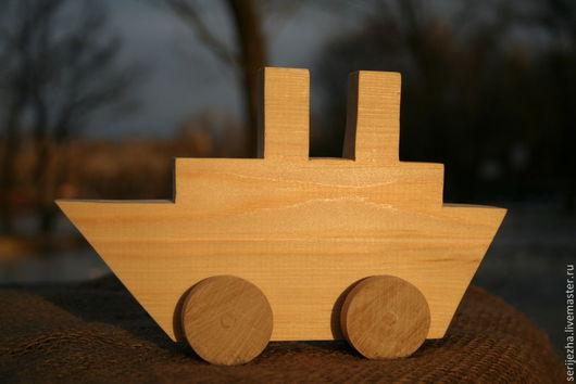 Кораблик-каталка, деревянная игрушка ручной работы